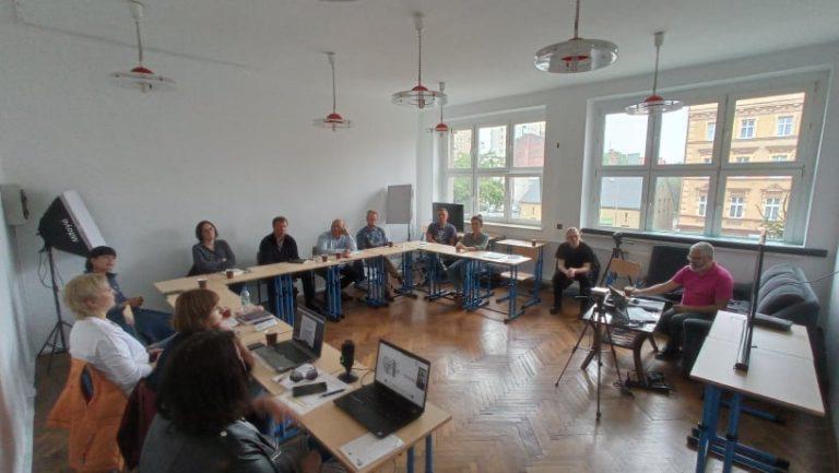 Nauczyciele Liceum Banacha w Chorzowie podczas spotkania projektowego